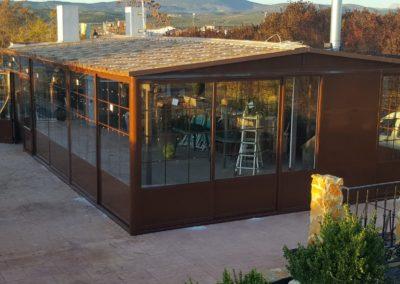 Cosntrución de estructura de aluminio para patios